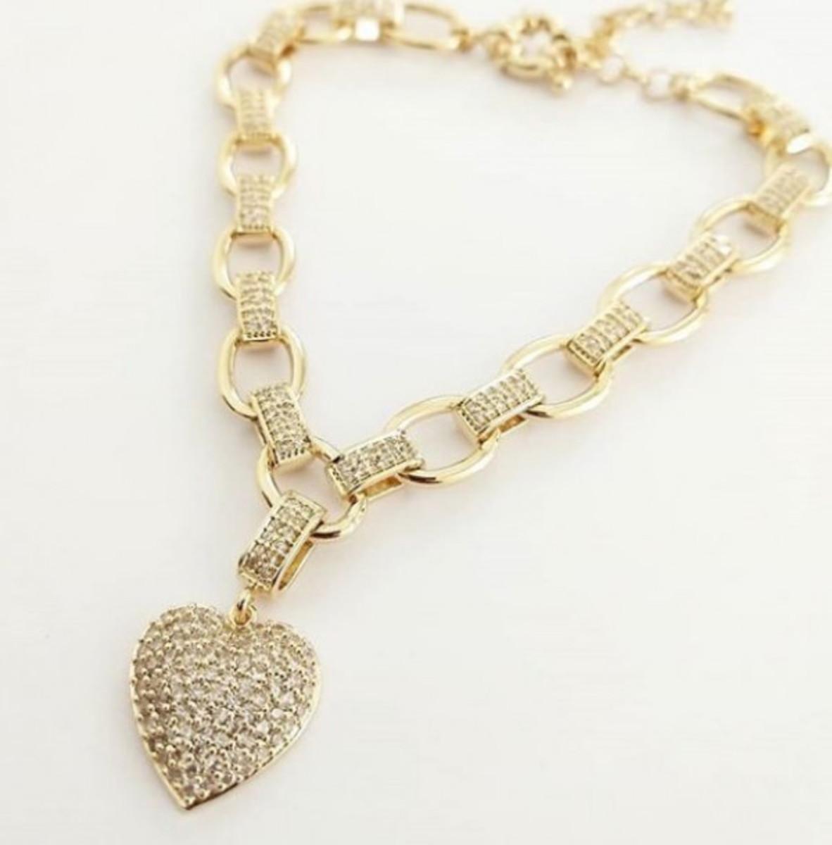 a51a7a539e9 Pulseira Coração Pendurado Cravejado em Banho de Ouro no Elo7 ...