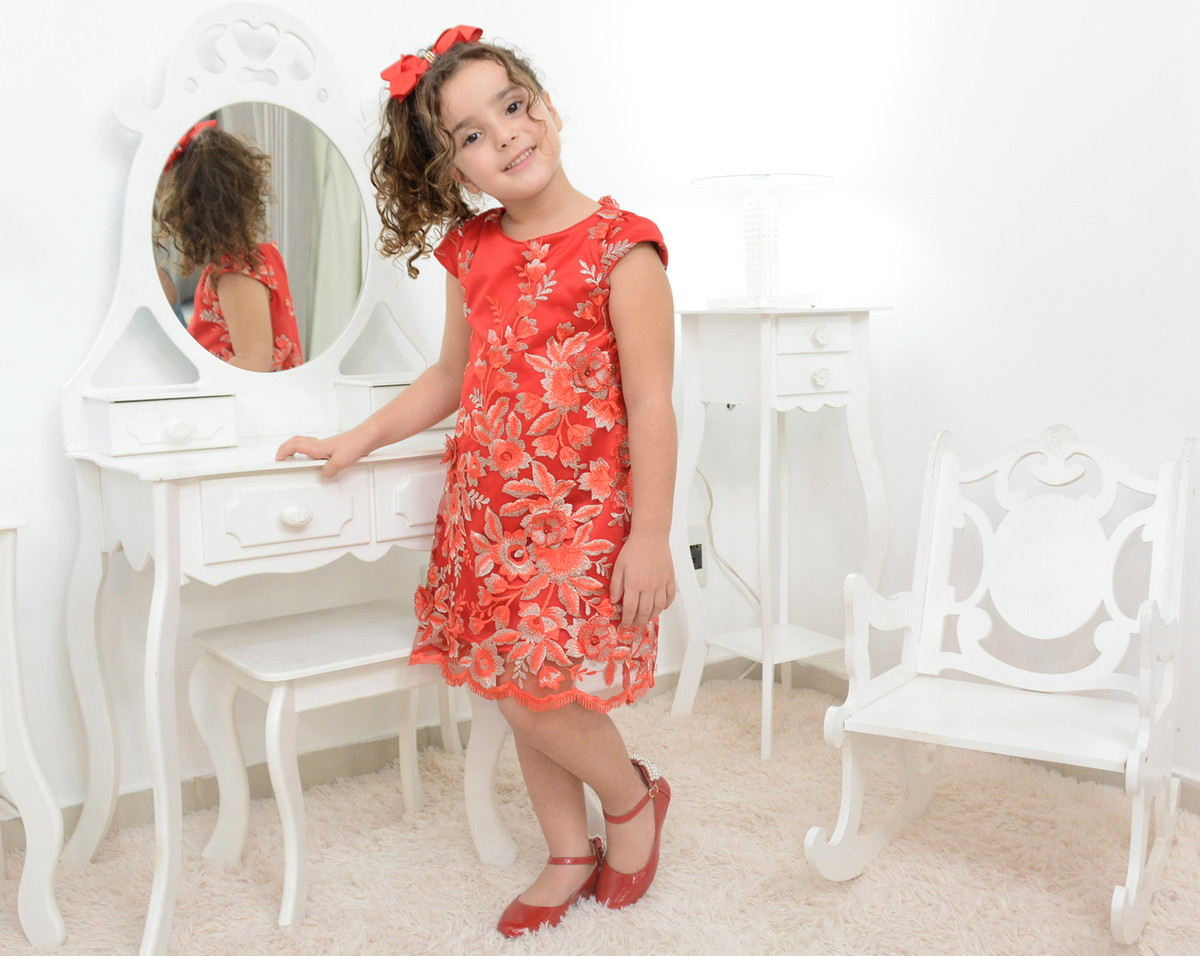 2d8f919eb3 Vestido infantil vermelho com tule francês bordado no Elo7