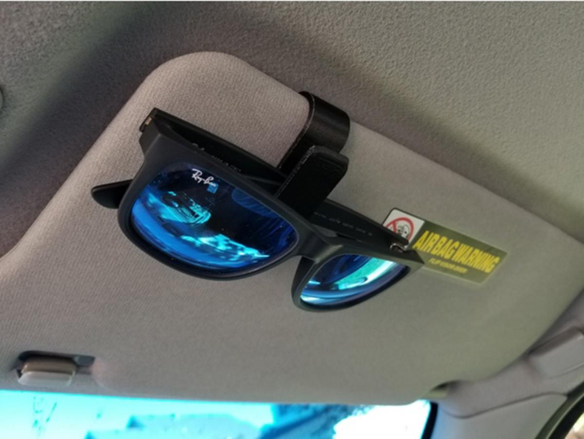 545d4e2e133ec Porta Óculos Clipe Veicular Para Visor De Sol Do Carro no Elo7 ...