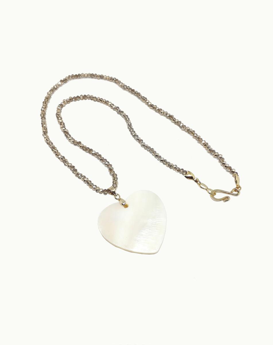 Gargantilha Cristal Marrom Coração Madrepérola Folheado Ouro no Elo7 ... f507f66411