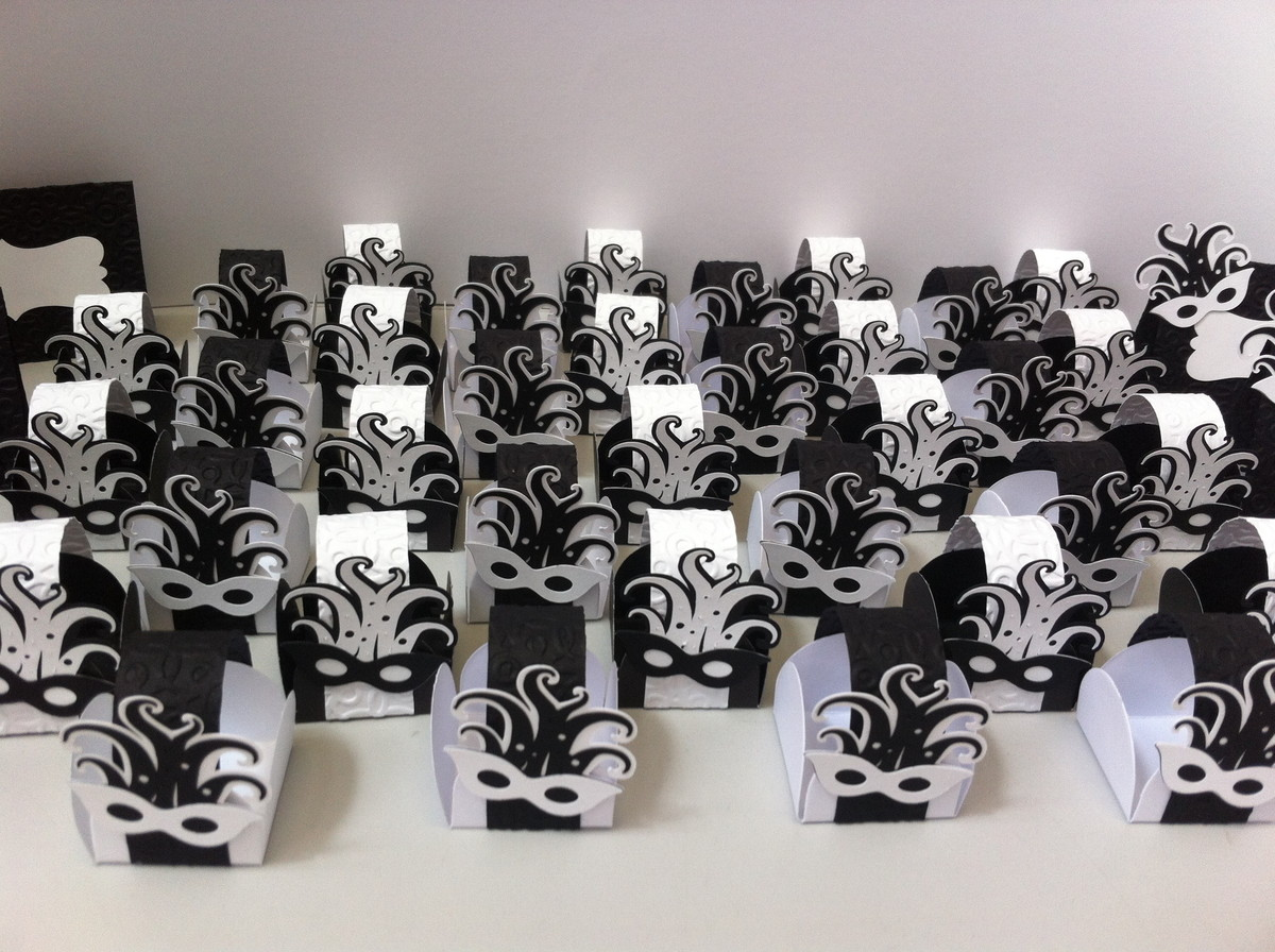 96483dbf77e Forminha de doce de Máscaras no Elo7