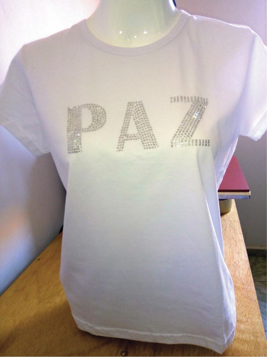 009a873e3 Camiseta feminina frases moda strass paz no Elo7