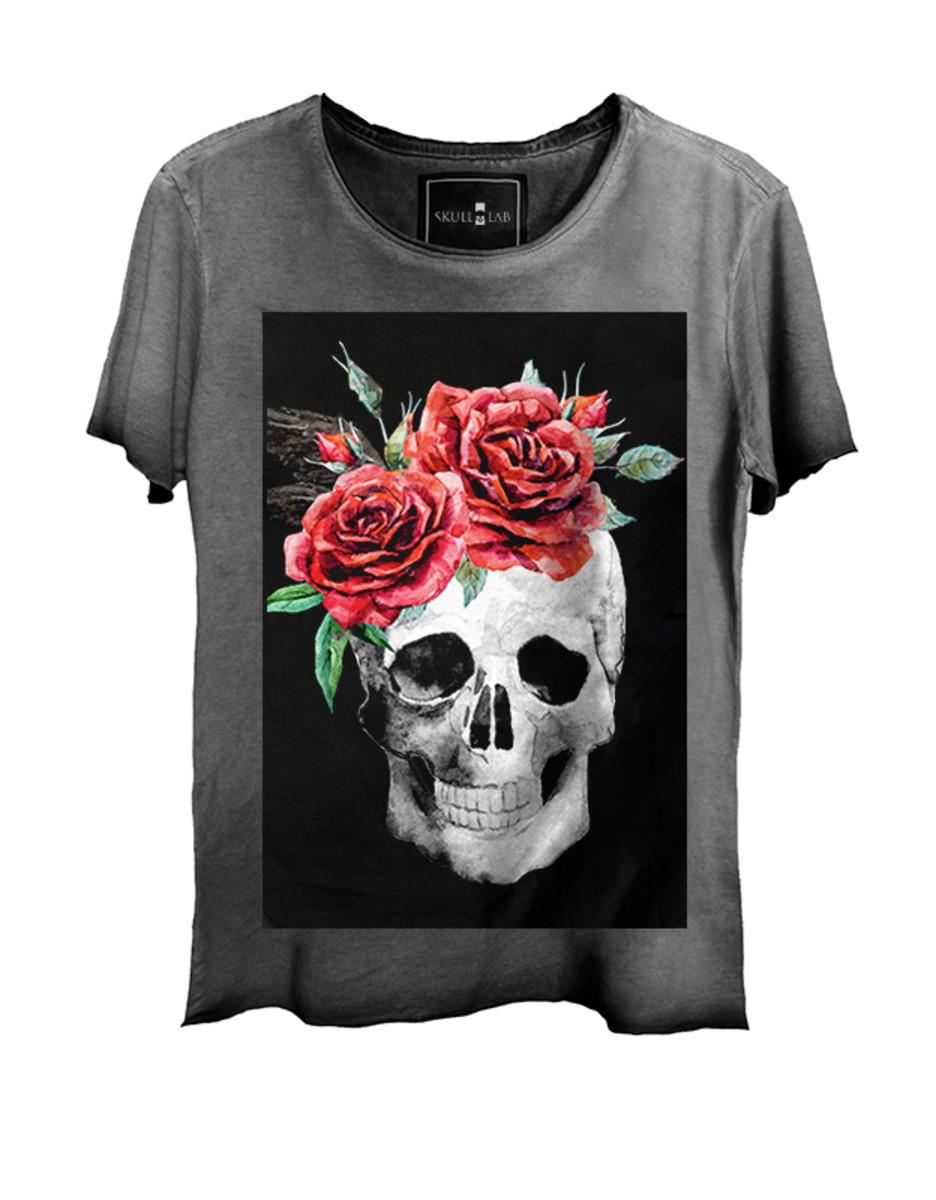 Camiseta Masculina Estonada Corte a Fio Skull Caveira Flor no Elo7 ... e5aa68d5f35