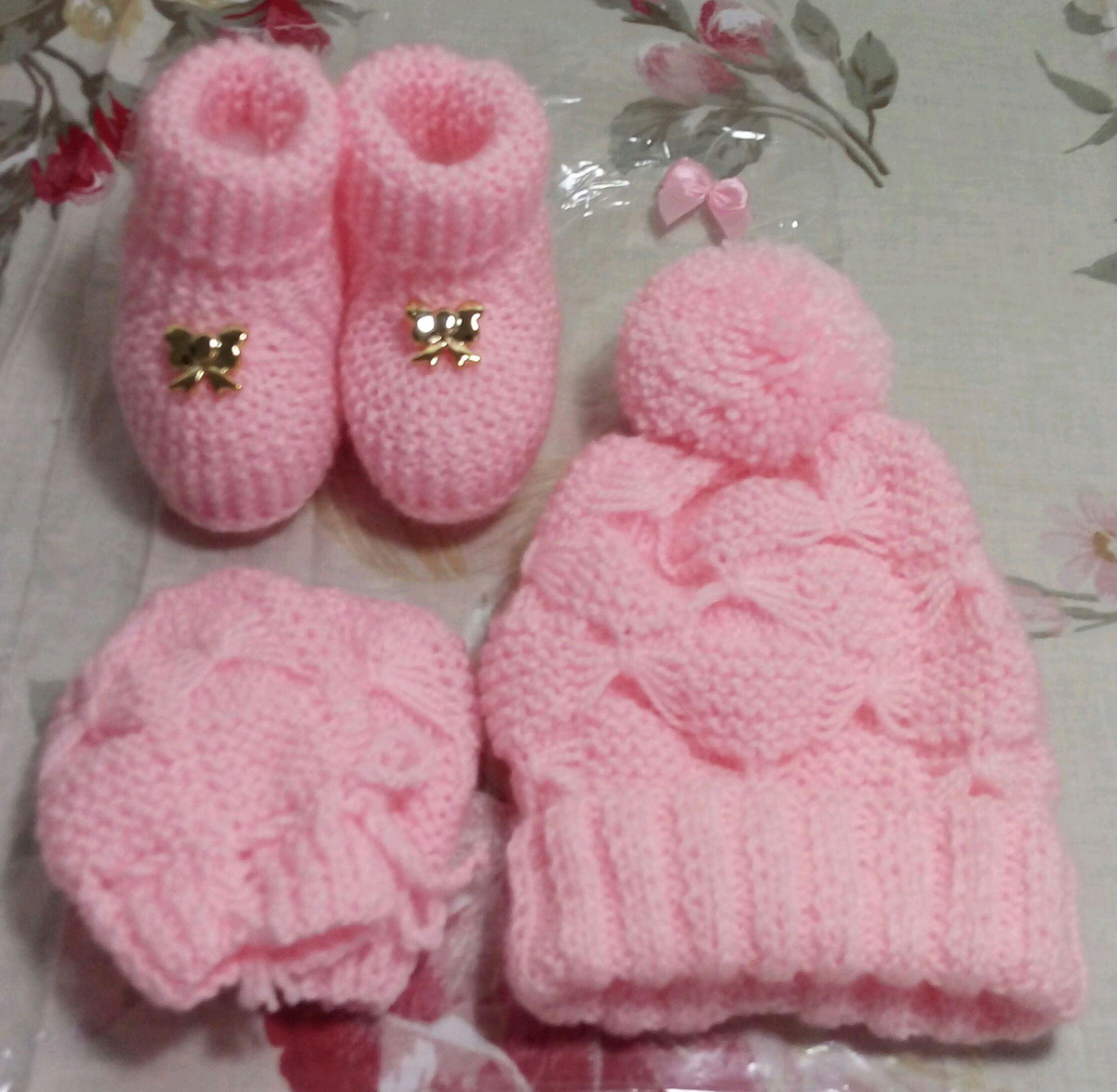 fe4b3dc43d Conjunto para bebê em tricô feito a mão no Elo7