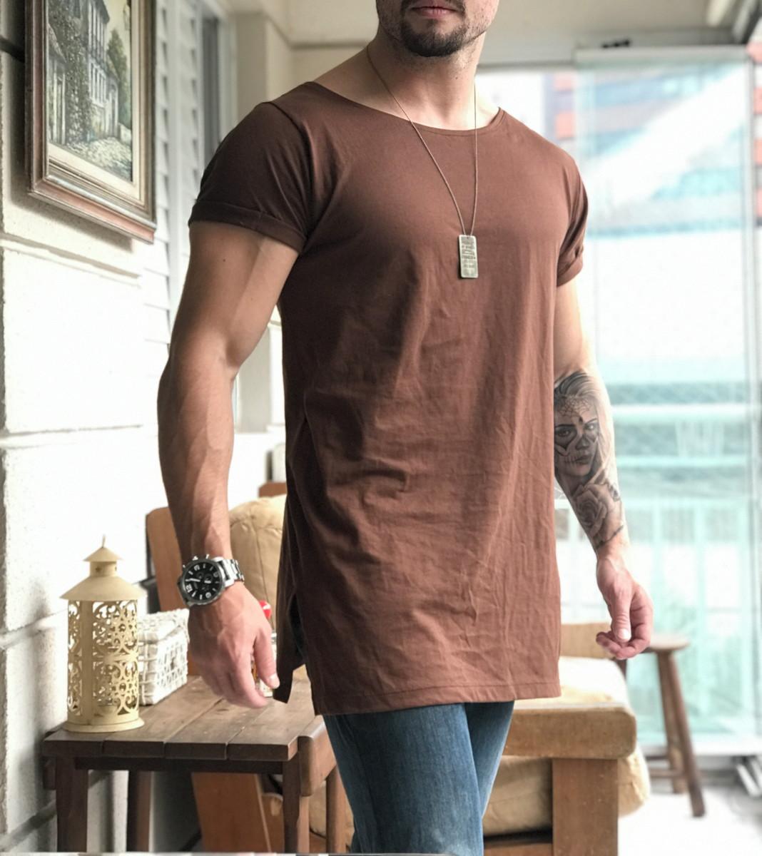 62399cb6a6 Camiseta Longline Sidecut Marrom Masculina no Elo7