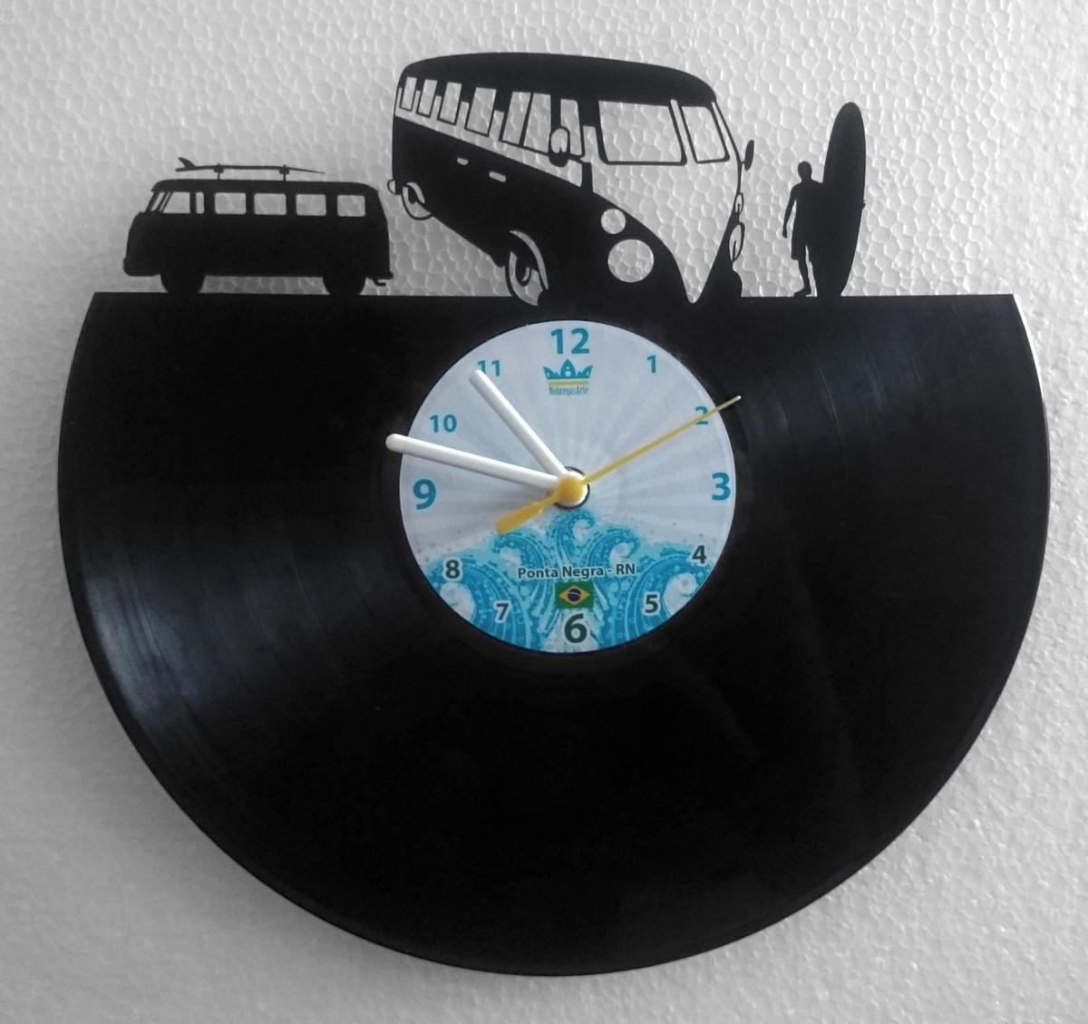 8fb6ef900c5 Relógio de Parede em Disco de Vinil- Kombi Surf no Elo7 ...