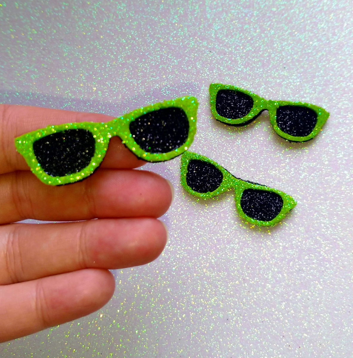 0894fb326a140 Óculos de Sol - EVA (Verde Furta-cor) no Elo7