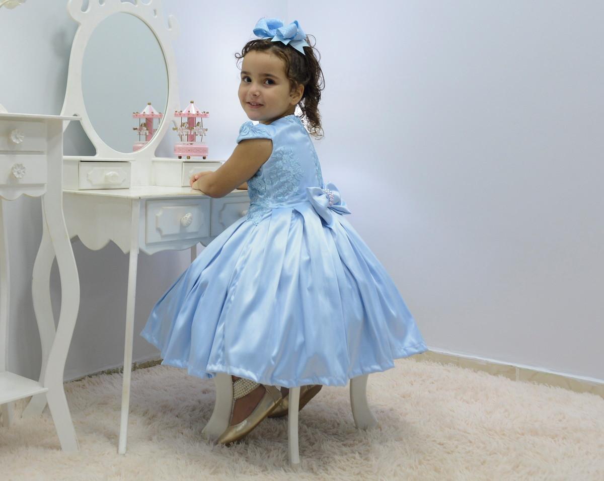 67046a0dbd Vestido infantil azul celeste com tule francês e bordado no Elo7 ...