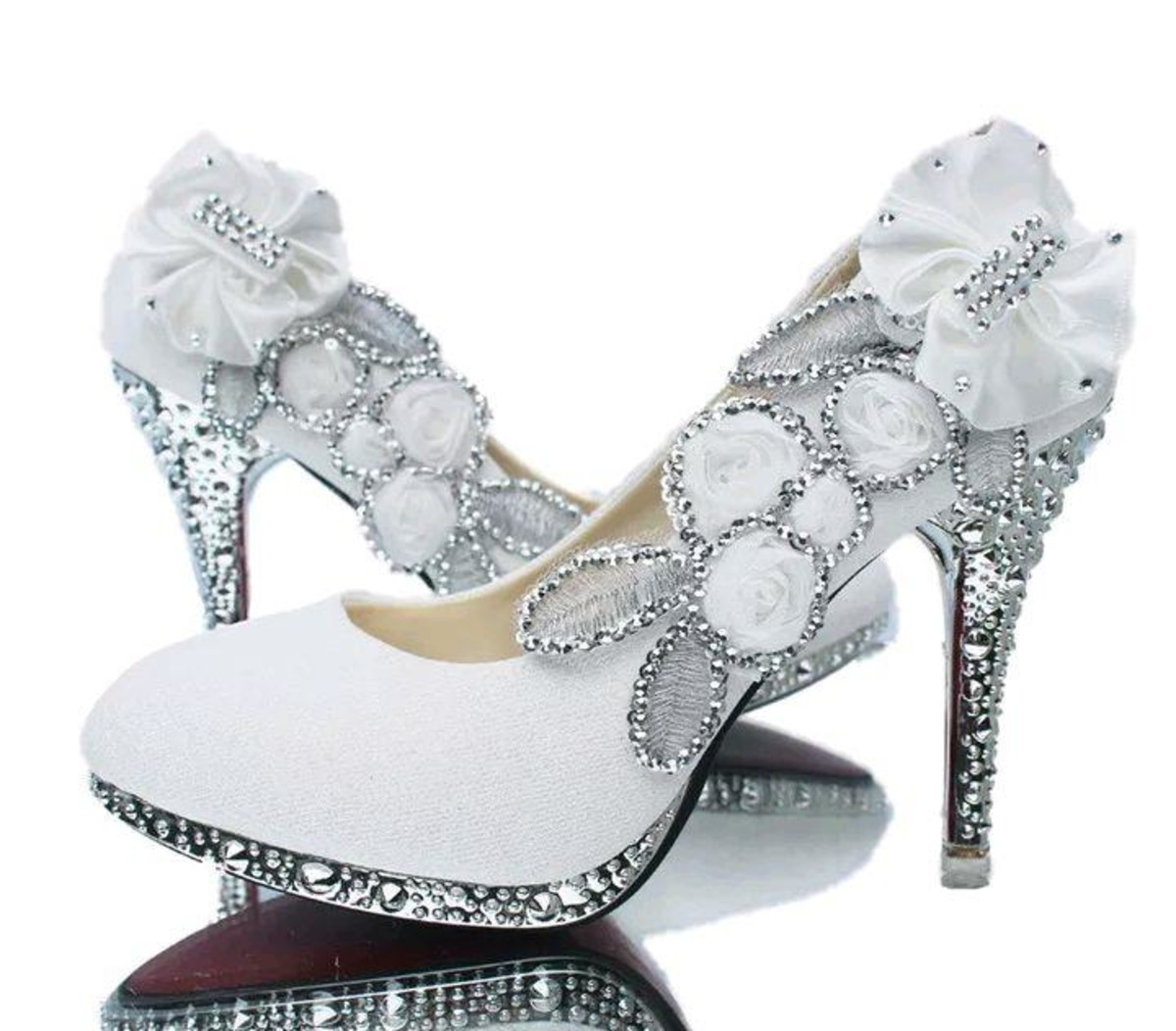 b6e2afd22d Sapato de Noiva Branco personalizado no Elo7