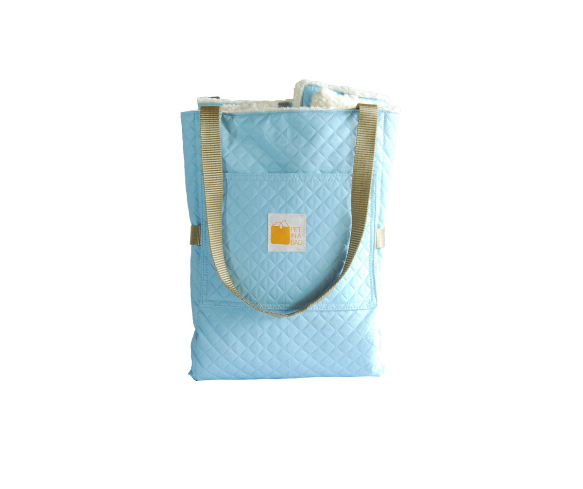 eec73588fc Cama portátil pet azul com forro lhama no Elo7
