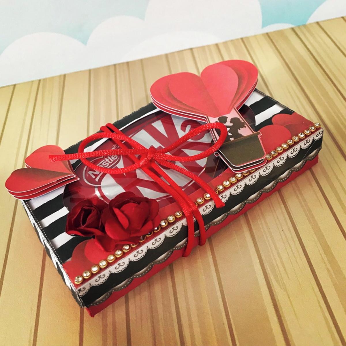 cb1de9da93d3d0 Arquivo de corte dia dos namorados caixa para 2 Kit Kat