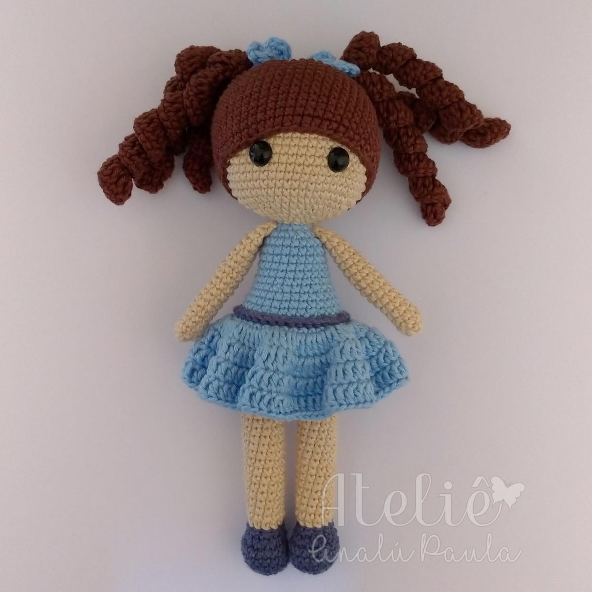 Amigurumi de Crochê Boneca Chloe 34 cm CORES | Arquitetas Express | 1200x1200