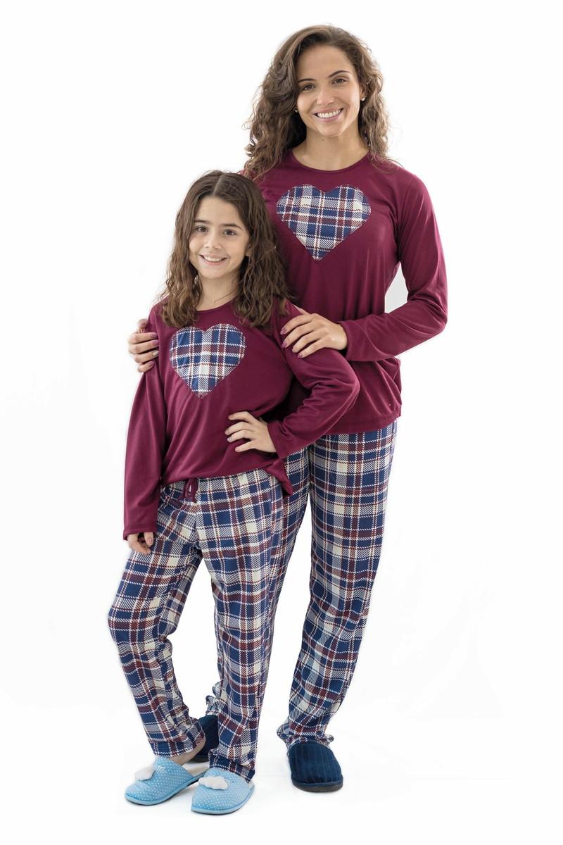 97b9a998823876 Pijama Longo de Malha Xadrez Vinho - Kit mãe e filha