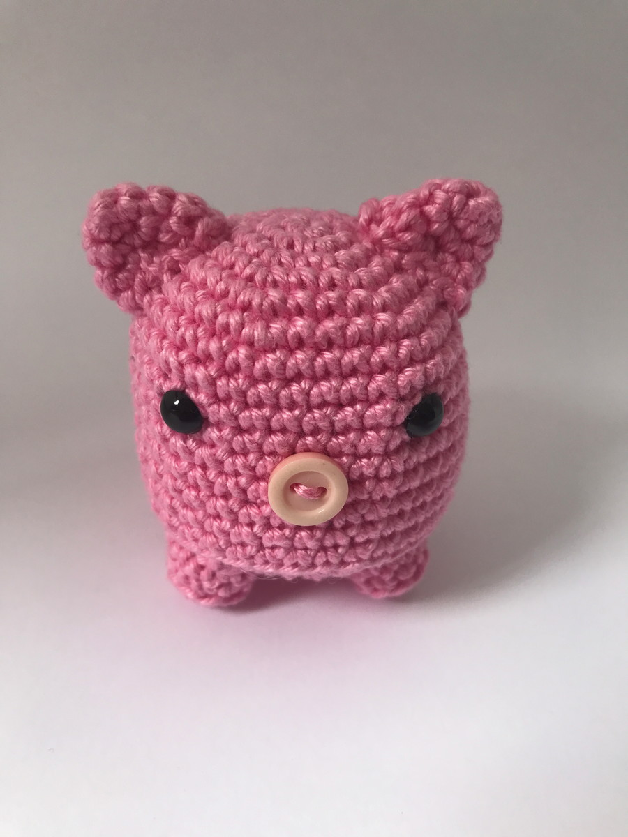 Porco Receita de Amigurumi de Crochê por Little Bear Crochets | 1200x900