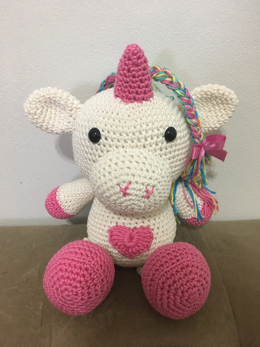 Sleeping unicorn pony crochet pattern - Amigurumi Today | 1200x900