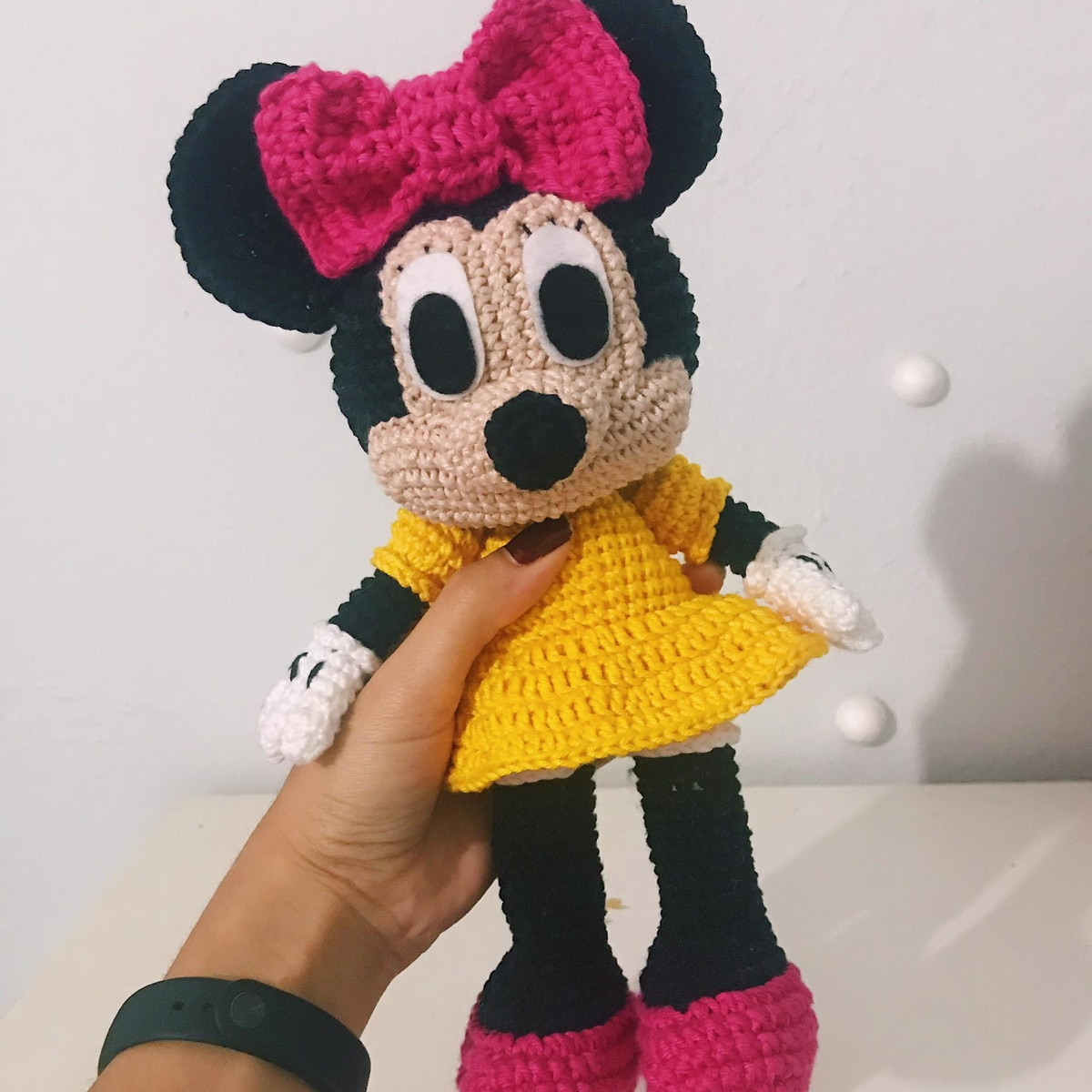 This crochet doll in Minnie Mouse... - Amigurumi Today - Free ... | 1200x1200