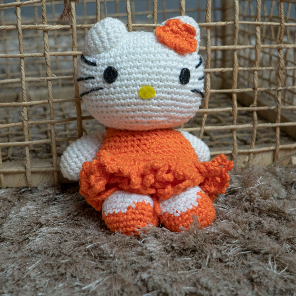 Hello Kitty Amigurumi - FREE Crochet Pattern and Tutorial ... | 1200x1200