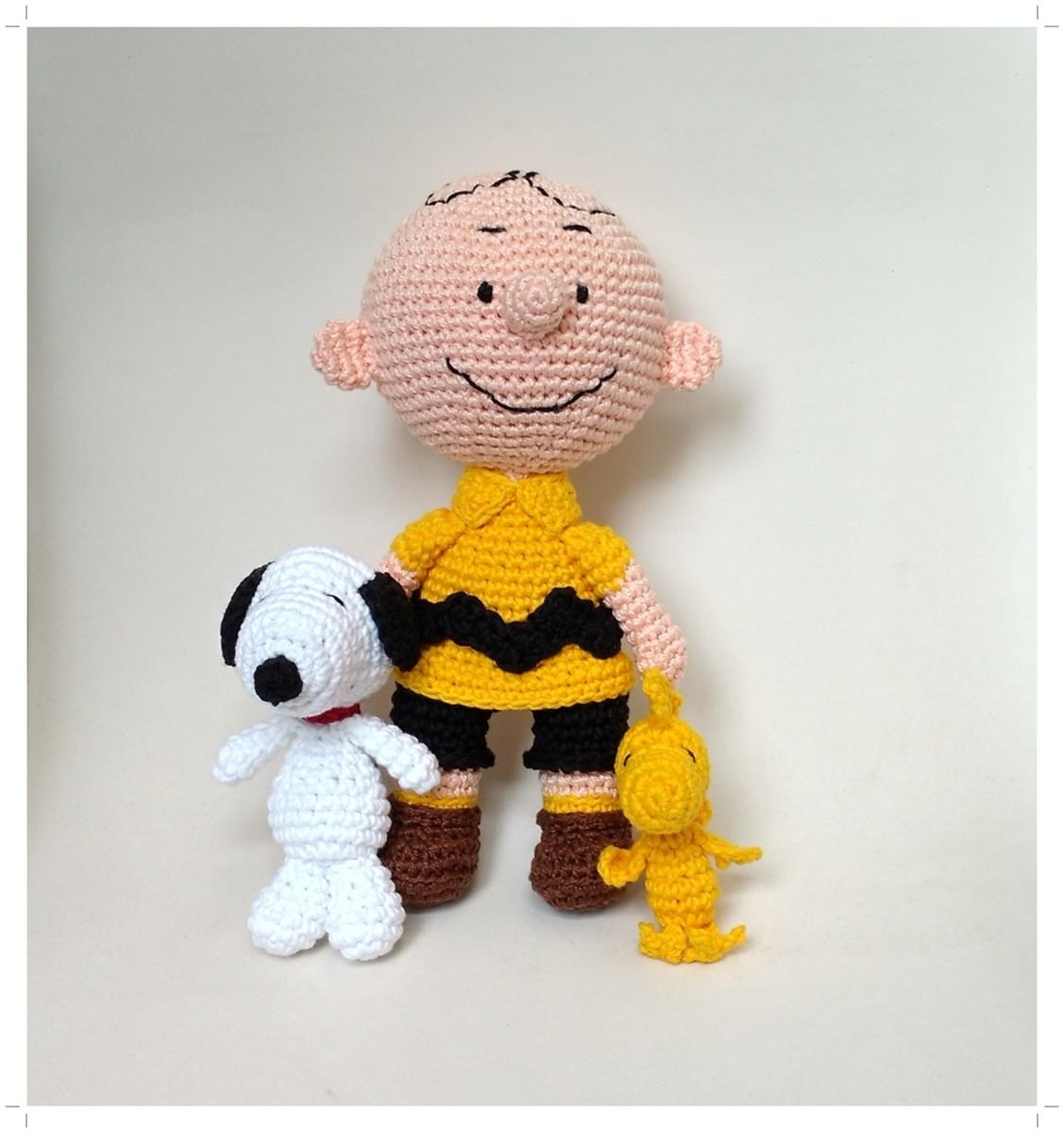 Snoopy Amigurumi Crochet Kit | Stitch & Story - Stitch & Story USA | 1200x1127