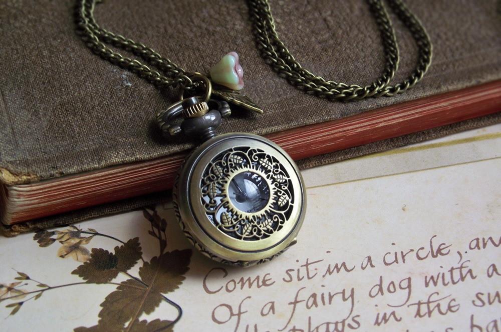 fc8a8ee9ad4 Colar Relógio Antigo Jardim no Elo7
