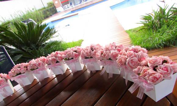 Resultado de imagem para detalhes decoração FESTA CASAMENTO BATIZADO cor de rosa