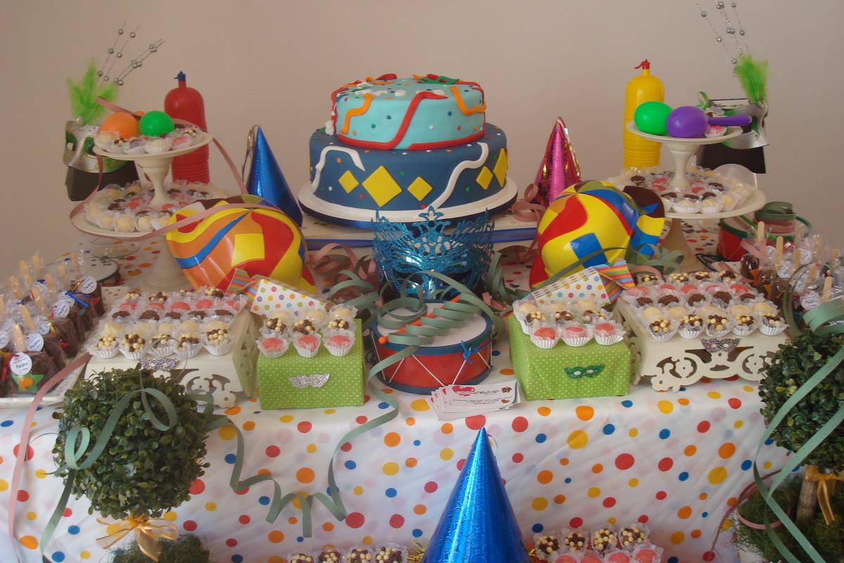 Locaç u00e3o de decoraç u00e3o de mesa Carnaval no Elo7 Caramelada Decorações (33BC01) -> Decoração De Loja Carnaval