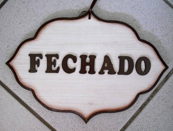 mininoatrevido   \\ FechadO pOr tempO IndeterminadO /