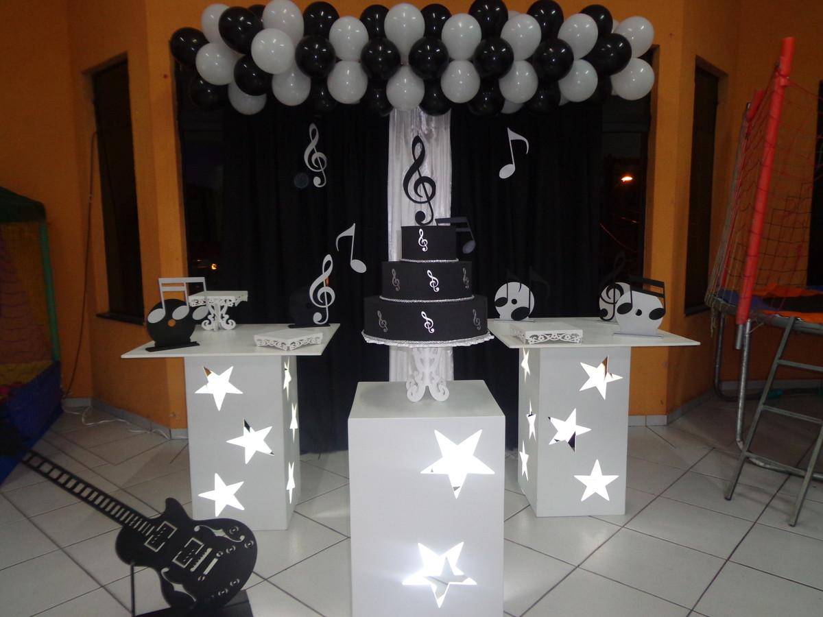 Suficiente Aluguel Provençal Musical Preto e Branco | Festa Glamour Garantido  ZN67