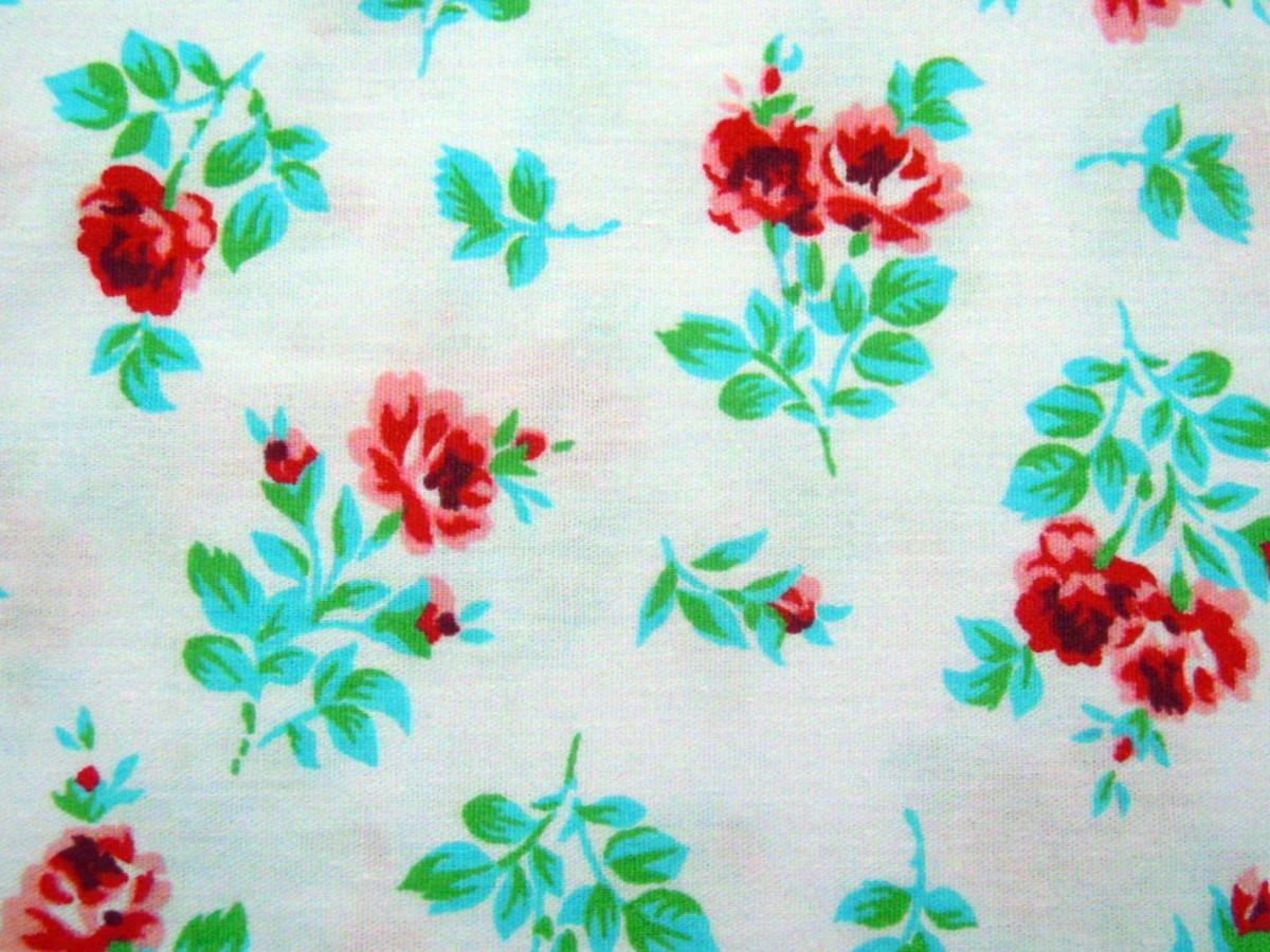 3cb56171f7 TC310 Tecido rosas vermelhas fundo branc no Elo7