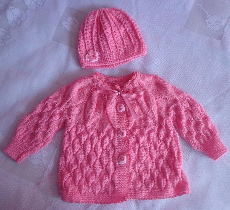 56af1f9021acc Casaquinho em tricô à mão p bebê.5 meses no Elo7
