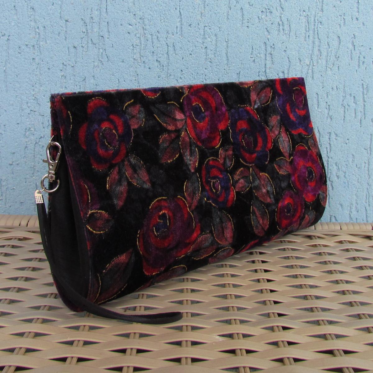 c6e29cd419 Clutch Veludo Floral no Elo7