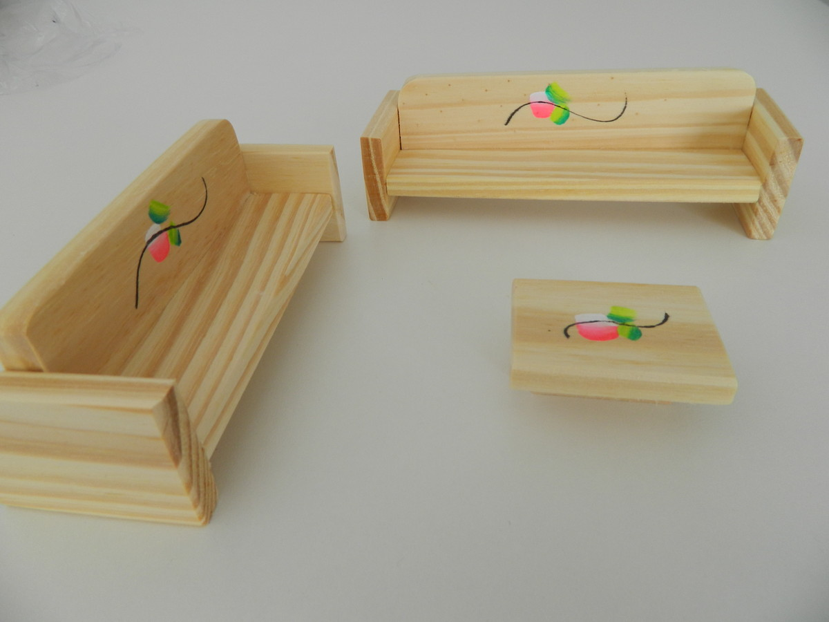 de mesa de madeira moveis miniatura sofas e centro de mesa de madeira  #9E2D2D 1200x900