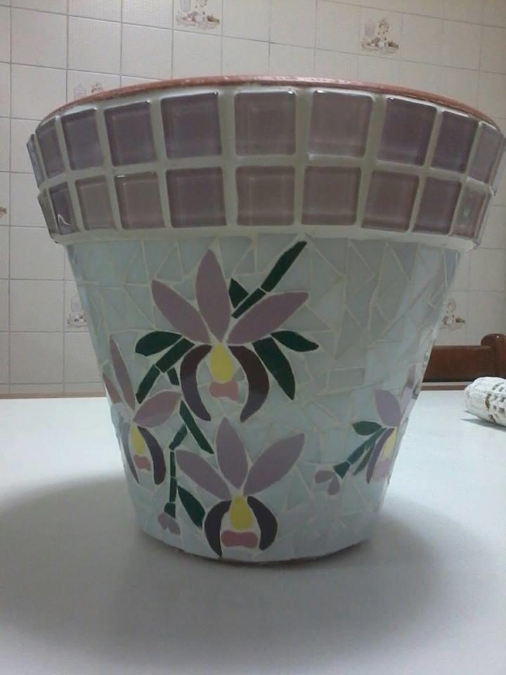 Vaso de cer mica em mosaico sueli cemin arte em mosaico for Mosaico ceramica