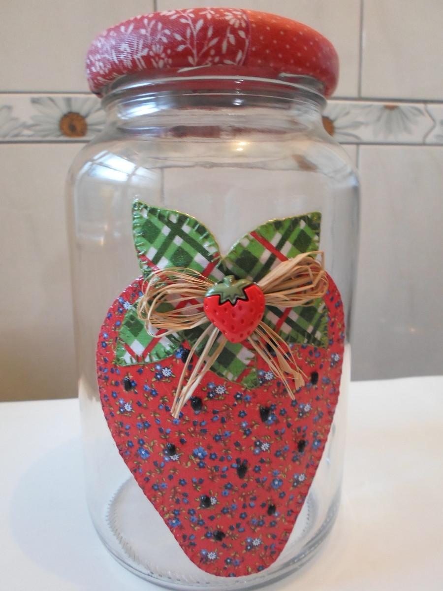 Pote de vidro patchwork em tecido Artesanatos da Amanda  -> Decorar Potes De Vidro Com Tecido