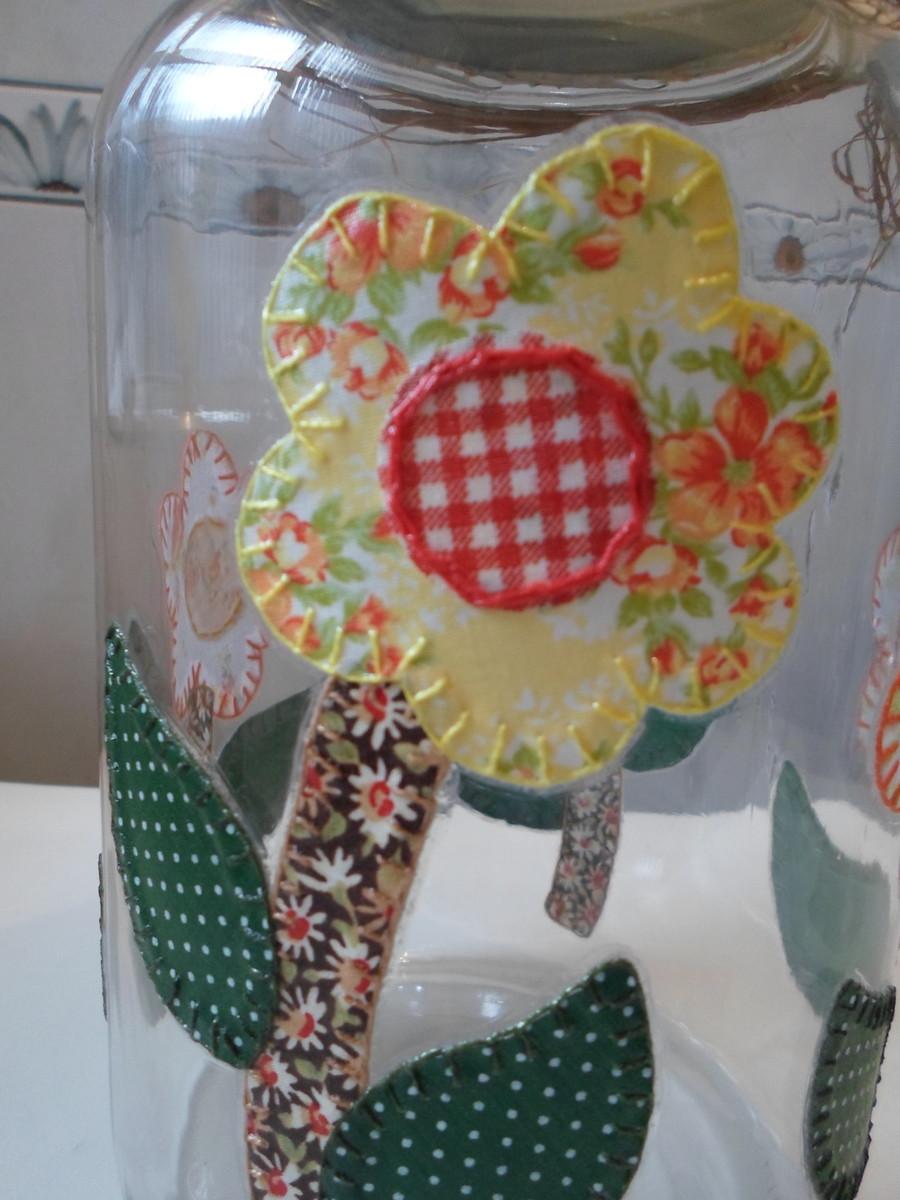 5f8ca9ad9 Pote de vidro patchwork em tecido Artesanatos da Amanda Elo7. por favor