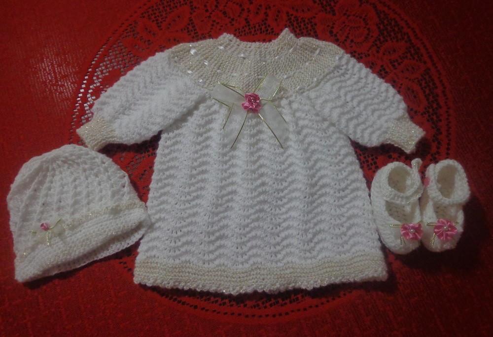 c634723b1 Vestido tricô a mão p batizado bebê 3 meses Pronta entrega! no Elo7 ...