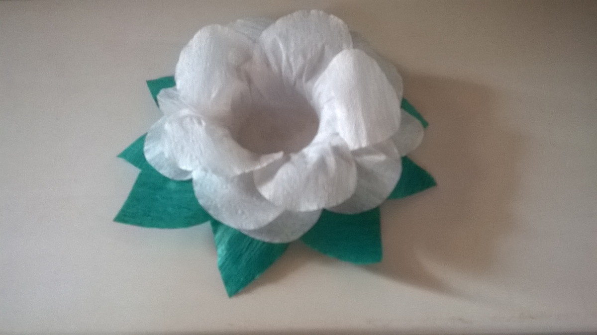 Forminha Pdoce Flor Branca Com Folha
