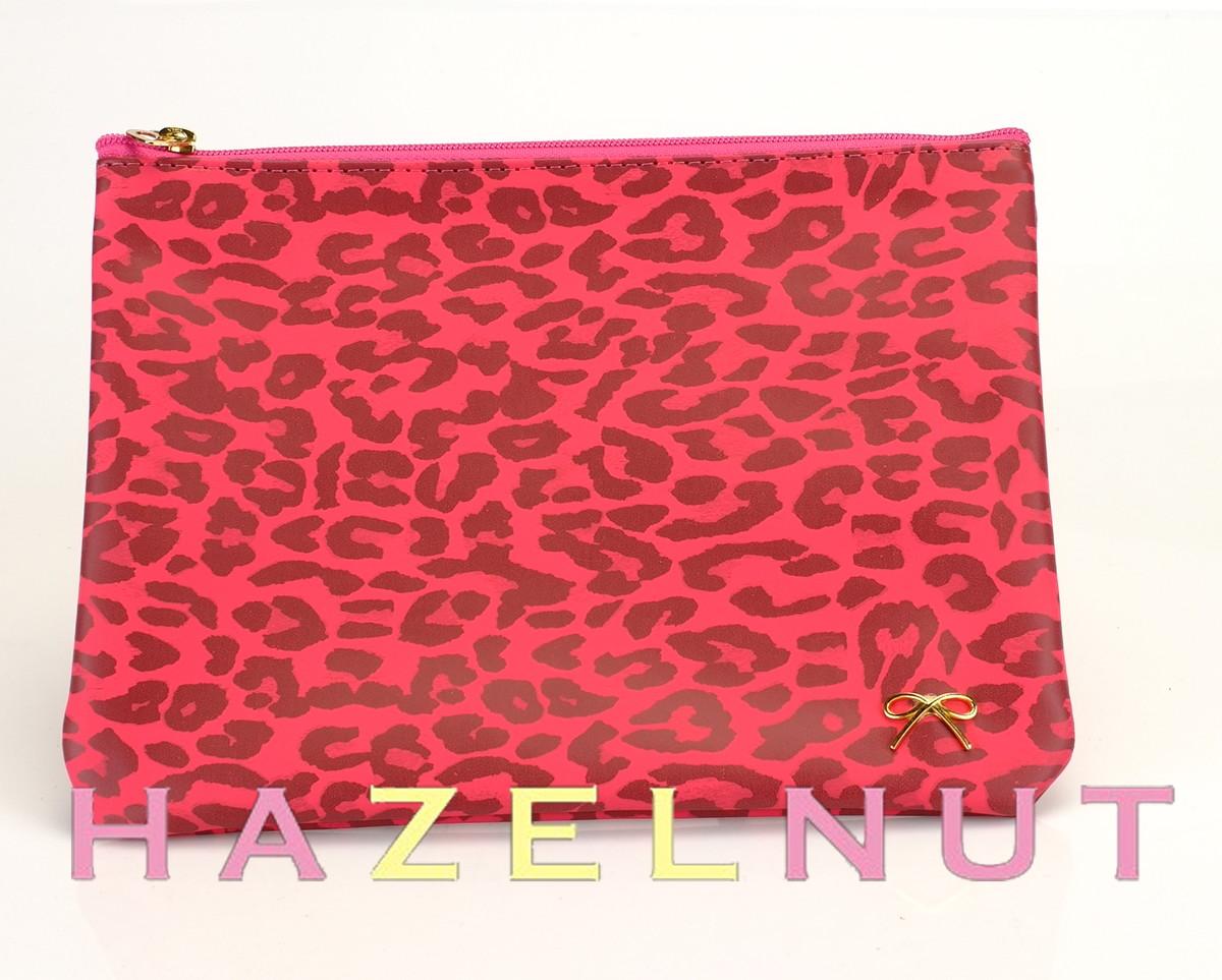 Nécessaire Envelope Oncinha Pink no Elo7   HazelnutHazel (1A3052) 79b992685d