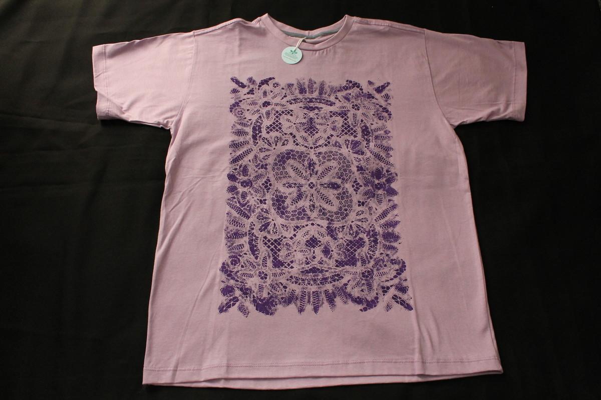 a1818c7b35 Camiseta Lilás Renda Francesa no Elo7