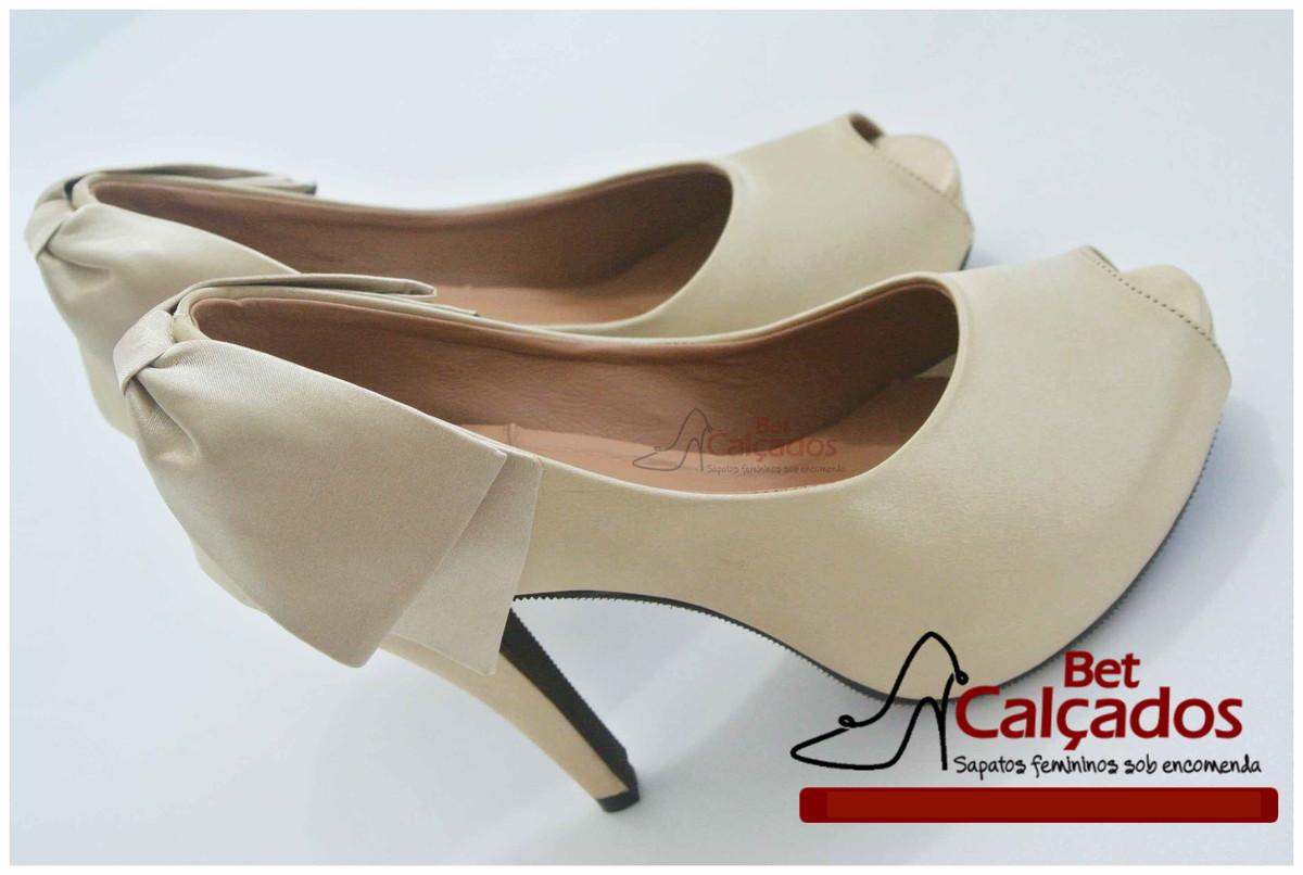 45ac70c87 Sapato Laço atras cetim Nude/bege no Elo7   Bet Calçados (64F42A)